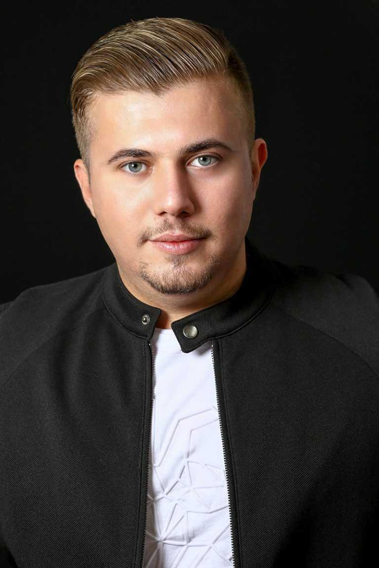 אורי מרסיאנו אליאב, בוגר הסדנה למשחק של אייל רוזלס